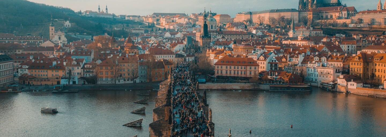 Inzerát, který lákal na pronájem bytu v Praze s vanou u dveří, byl pouze vtip. Internet se mu smál, realita je smutnější