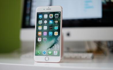 iPhone 7 zametl high-end smartphony s Androidem. V odborném testu rychlosti jim nepomohla ani 6GB RAM