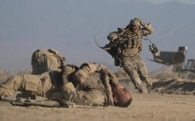 Iracký sniper poľuje na raneného Johna Cenu vo vojnovom psychologickom thrilleri od režiséra Edge of Tomorrow