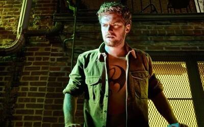 Iron Fist musí v ďalšom akčnom videu využiť znalosti bojových umení, aby odvrátil nebezpečenstvo a zároveň získal to, čo mu právom patrí