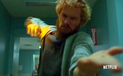 Iron Fist sa v prvom traileri podobá na Daredevila. Lietajú kopance, hovorí sa o mystike a spoznávame skvelé postavy