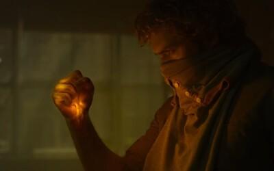 Iron Fist sa v úžasnom finálnom traileri ako kvalitatívne, tak súbojovo nesmierne podobá na Daredevila