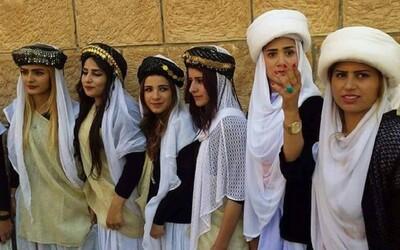 Islámský stát zmasakroval náboženskou komunitu a znásilňoval jejich děti. Jezídy považuje za satanisty