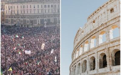 Itálie zavádí přísná opatření. Do práce mohou chodit jen očkovaní a testovaní lidé nebo ti, kdo nemoc prodělali