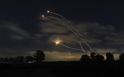 Izrael v noci zaútočil proti radikálnemu palestínskemu hnutiu Hamas. Pri raketovom útoku zomrela 10-členná rodina