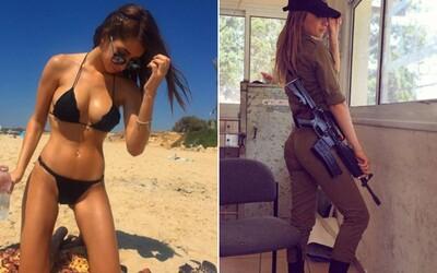 Izraelská vojačka, která vypadá, jako kdyby do armády zabloudila z modelingového mola. Kim si plní svou povinnost a naplno si to užívá