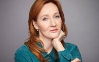 J. K. Rowling prozradila, že se v minulosti stala obětí sexuálního násilí. Její názor na transgender osoby s tím úzce souvisí