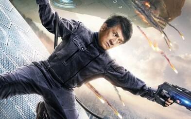 Jackie Chan ide v akčnom sci-fi thrilleri po krku nebezpečnému kyborgovi, ktorý ohrozuje aj jeho najbližších