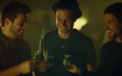 Jägermeister v reklamě pro Čechy a Slováky dokazuje, že na pořádnou zábavu nepotřebujeme speciální příležitost