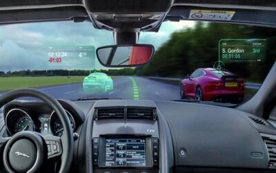 Jaguar chce vodičom rozšíriť realitu ako v závodných videohrách