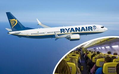 Jak může Ryanair prodávat letenky za 300 korun a zároveň generovat miliardové zisky? Tady je 5 důvodů