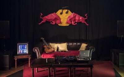 Jak trávilo 15 producentů valentýnský víkend v Praze? (Red Bull Music Academy Bass Camp report)