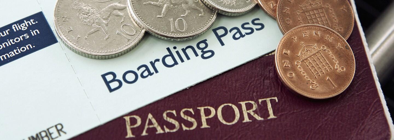 Jak ušetříš při placení na dovolené? Poradíme ti, jak zacházet s penězi v zahraničí