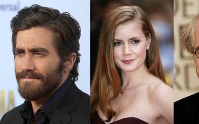 Jake Gyllenhaal a Amy Adams si zahrajú v sľubne vyzerajúcom mrazivom thrilleri