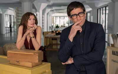 Jake Gyllenhaal bojuje proti prokletým obrazům, které vraždí jeho přátele a střílí si ze snobství umělců (Recenze)
