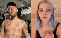 Jake Paul čelí obvinění, že sexuálně zneužil mladou hvězdu z TikToku. Dosud mlčela, protože ji údajně přinutil podepsat smlouvu