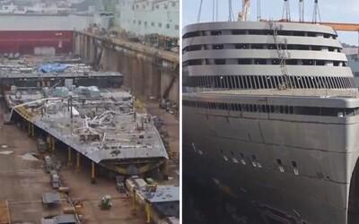 Jako kdyby ji skládali z LEGO stavebnice. Loď za 16 miliard si za 5 let prošla cestu z nuly na vrchol