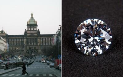 Jakou tajemnou loupež skrývá Národní muzeum? Jeho sbírka obsahuje místo vzácných milionových drahokamů bezcenné broušené sklo