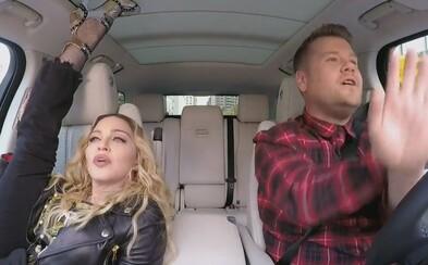 James Corden si tentoraz pozval do Carpool Karaoke Madonnu. Tá si v aute zatwerkovala
