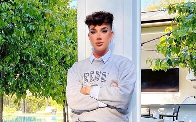 Jamesovi Charlesovi po priznaní sa, že písal sexuálne správy maloletým chlapcom, Youtube zrušil speňaženie videí
