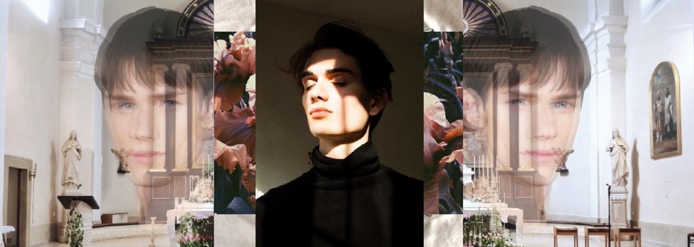 Jan Černý a jeho spojenie cirkvi a gangov z kolekcie New Vestment, ktorú uvidíš aj na Fashion LIVE!
