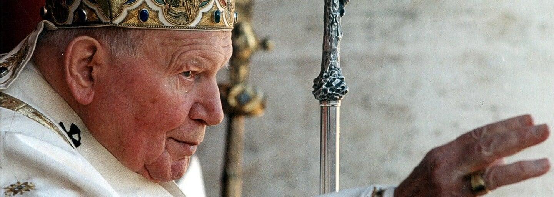 Jan Pavel II. byl prohlášen svatým, přežil dva atentáty a brojil proti manželství homosexuálů či antikoncepci