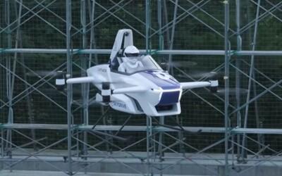 """Japonci testovali """"lietajúce auto"""". Kedy sa asi dostane na trh?"""