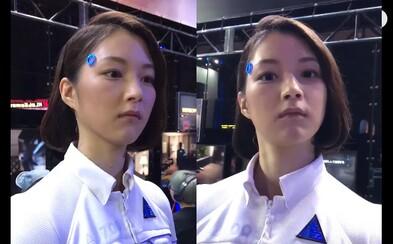 Japonská herná konferencia vyvolala na internete veľkú hádku. Je dokonalý ľudský robot skutočný alebo ide o šikovnú ženu?