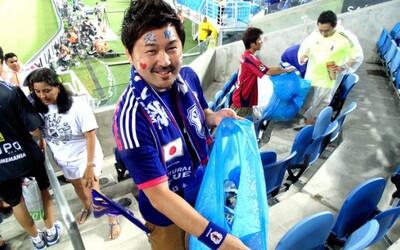 Japonskí fanúšikovia upratali štadión. Opäť