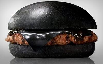 Japonský Burger King přivítal černé burgery ve svém menu