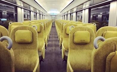 Japonský vlak je navrhnutý tak, aby mali ľudia pocit, že sedia v obývačke