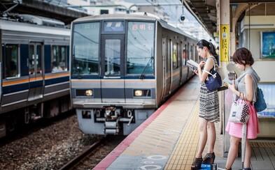 Japonský vlak vyštartoval o 20 sekúnd skôr, ako mal. Vlaková spoločnosť sa za nepresnosť ospravedlňuje
