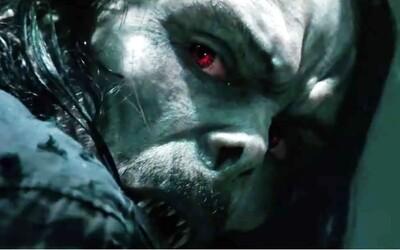 Jared Leto je upír Morbius. Komiksovka zo sveta Venoma láka trailerom plným umierajúcich ľudí a obetí hladu