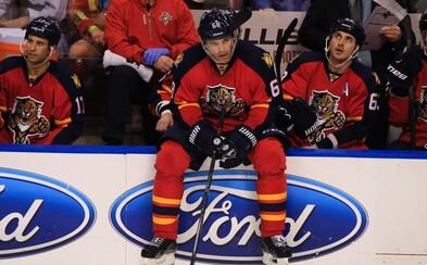 Jaromír Jágr si k 45. narozeninám dopřál speciální dárek. Jako druhý v historii NHL překonal hranici 1 900 kanadských bodů