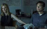Jason Bateman v temnom krimi seriáli Ozark perie peniaze pre nemilosrdný drogový kartel. O život však ide nielen jemu, ale aj jeho rodine