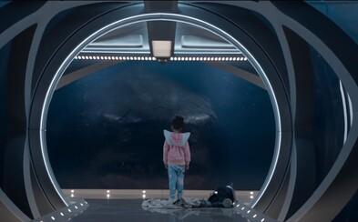 Jason Statham bojuje proti Megalodonovi. Gigantický žralok terorizuje plážové mestečko a okrem zdesenia ponúkne aj množstvo zábavy