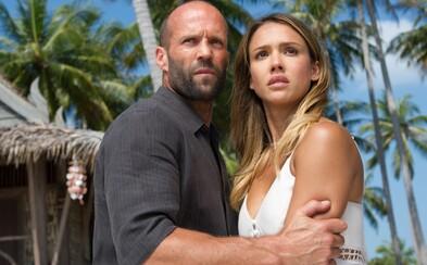 Jason Statham je v prvom traileri pre pokračovanie Mechanika smrteľným nástrojom sexi Jessicy Alby