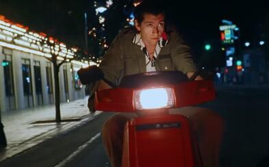 Je Alex Turner bohém? Arctic Monkeys posúvajú videoklip ku skladbe Tranquility Base Hotel & Casino
