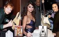 Je libo mikrofony nebo kytary podepsané známými osobnostmi? Nyní je můžete získat na eBay i vy!