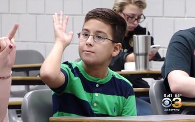 Je mu teprve 9 let, už studuje na vysoké škole a touží se stát astrofyzikem. William chce dokázat, že Bůh existuje