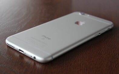 Je nový iPhone jen módním doplňkem, nebo splnil všechna očekávání high-end uživatele? (Recenze)