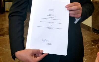 Je podpis prezidenta pravý? Případ řeší policie