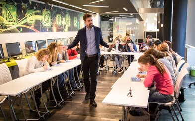 Je súčasné slovenské školstvo skutočne zlé? Odpovede na otázky sme hľadali u odborníka (Rozhovor)