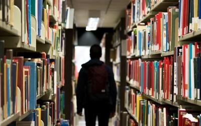 Je vysoká škola pre každého správnym riešením? Pozreli sme sa, kedy sa na výšku ísť oplatí a kedy radšej zvážiť alternatívu