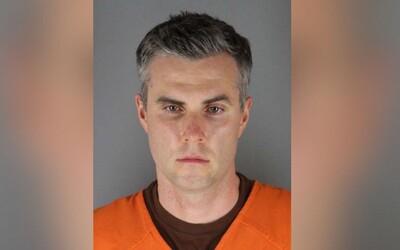 Jeden z policistů, kteří byli při úmrtí George Floyda, se dostal na svobodu. Jeho rodina zaplatila 750 tisíc dolarů