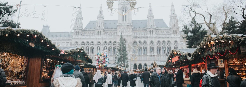 Jedinečná výzdoba, okázalé vianočné trhy a rozprávková atmosféra. Ktoré metropoly sú počas Vianoc najkrajšie?