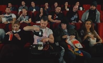 """""""Jedlo v kine je príliš drahé."""" Najhoršie typy ľudí v kine sa Matejovi Zrebnému podarilo zachytiť úplne presne"""