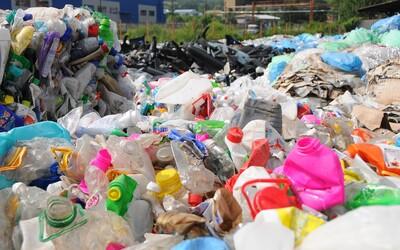 Jednorázové plasty v EU od roku 2021 končí. Europarlament schválil jejich zákaz