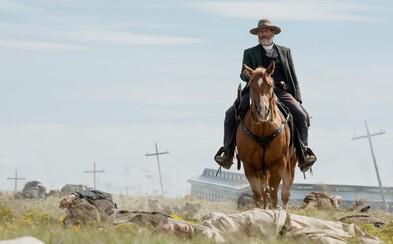 Jeff Daniels sa vo westernovom seriáli Godless predstaví ako brutálny hrdlorez, ktorému sa na odpor postavia ženy malého mestečka