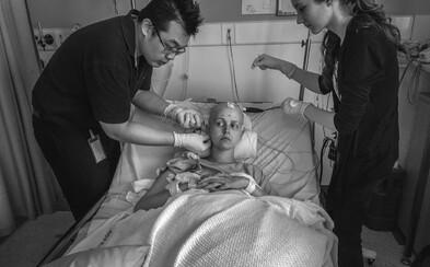 Jeho ženu zasiahla rakovina a on sa rozhodol jej utrpenie zdokumentovať pre celý svet dojímavými fotkami